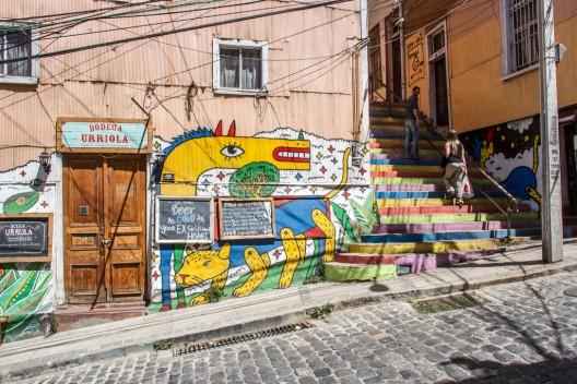 bodega-urriola-en-cerro-concepcion-por-cucombrelibre-via-flickr-528x352